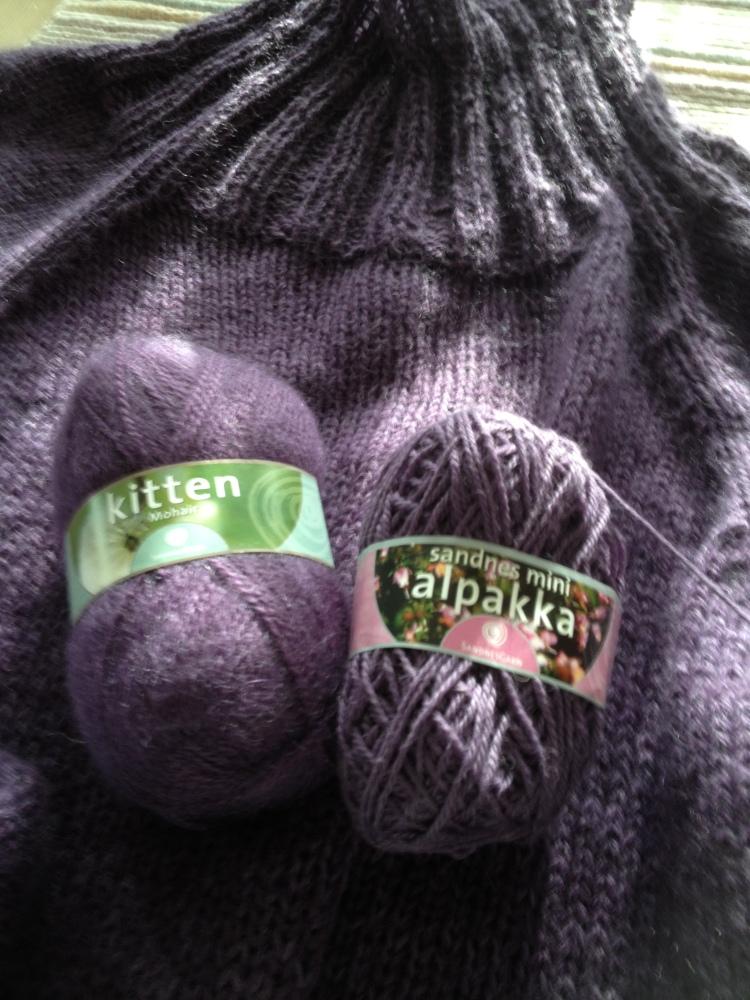 Stryk meg over håret - genser i deilig lavendel... (4/6)