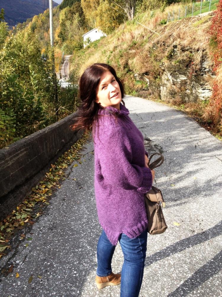 Stryk meg over håret - genser i deilig lavendel... (3/6)