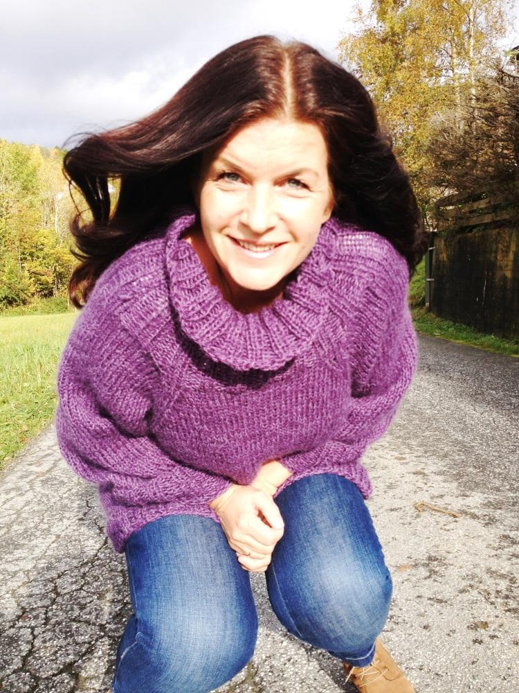 Stryk meg over håret - genser i deilig lavendel... (2/6)