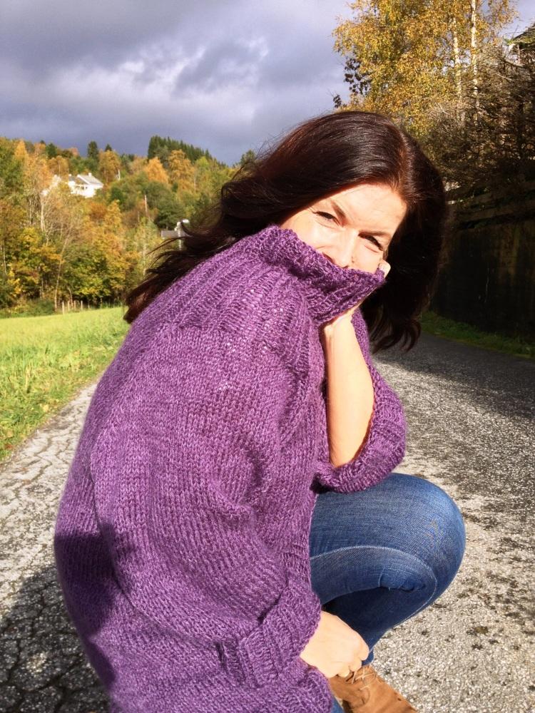 Stryk meg over håret - genser i deilig lavendel... (5/6)