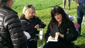 Jeg og Marit Reiersgård på signering og sider.